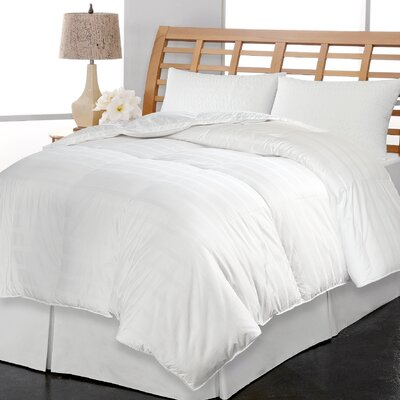 600 Thread Count All Season Down Comforter Size: Twin