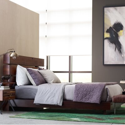 Iggy Platform Bed Size: King
