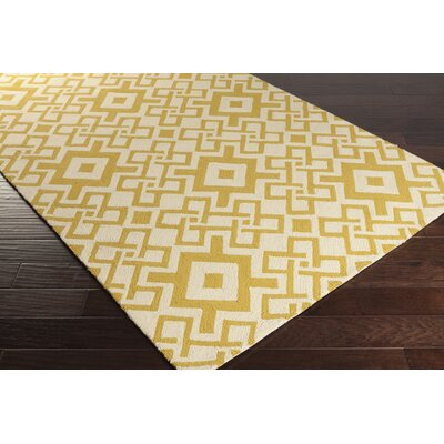 Aura Butter/Ivory Indoor/Outdoor Area Rug Rug Size: 33 x 53