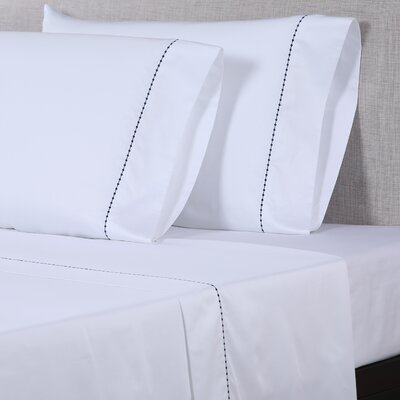 600 Thread Count Cotton Sheet Set Size: Queen, Color: White/Navy