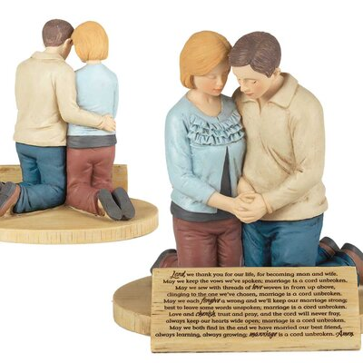 Cadwallader Couple Prayer Figurine WNSP1233 43404681