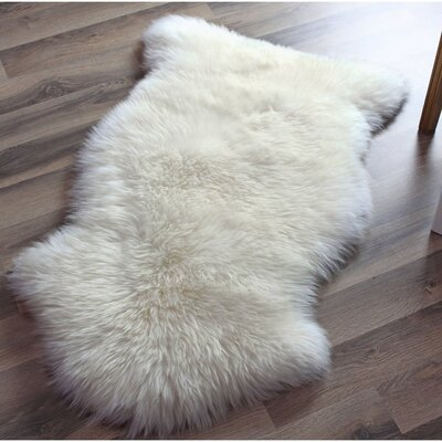 Santana Hand Selected Sheespskin White Area Rug