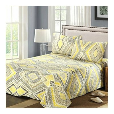 Modern Summer Diamond Reversible Bedspread set Size: California King