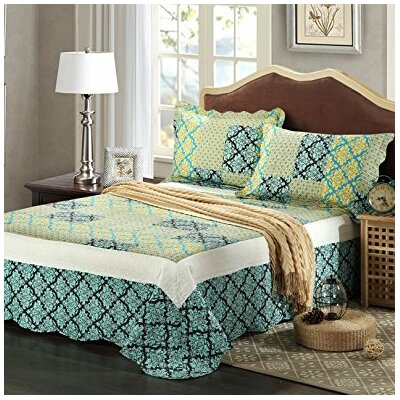 Fall Damask Reversible Bedspread Set Size: Queen
