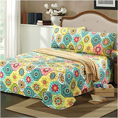 Geo Spring Flower Reversible Bedspread Set Size: King
