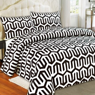 Sophisticated Condo Duvet Cover Set Size: King