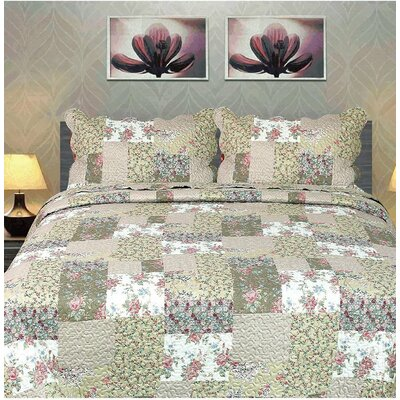 Flora's Outing Floral Bedspread Set Size: California King