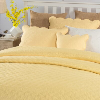 Lewisboro Solid Matelasse Buttercup 5 Piece Bedspread Set Size: Califonia King