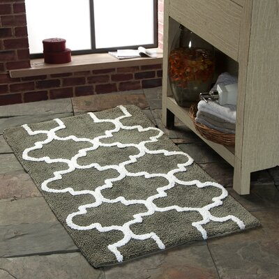 Harriette Geometric Bath Rug Color: Gray/White, Size: 50 x 30