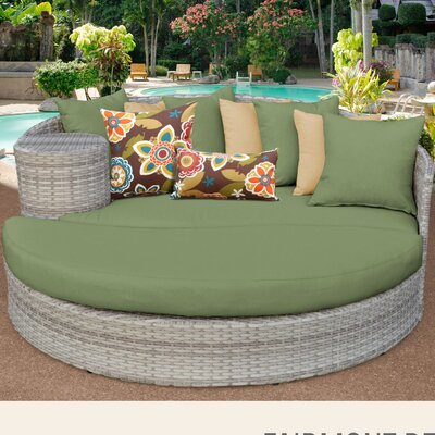 Fairmont Daybed with Cushions Fabric: Cilantro