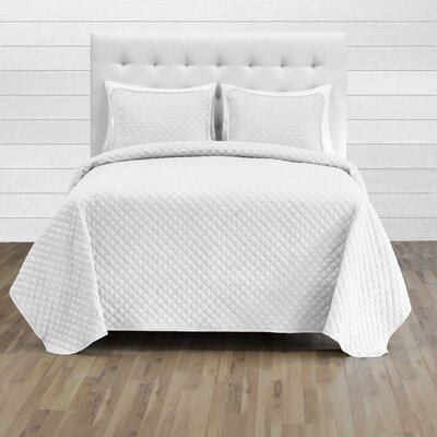 Hewlett Diamond Stitched Coverlet Set - Ultra-Soft Luxurious Lightweight All Season Bedspread Color: White, Size: 118 L x 106 W