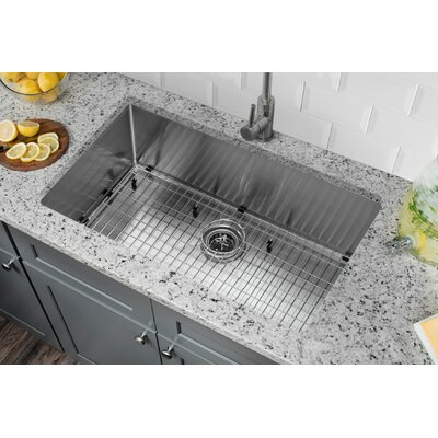 32 x 19 Stainless Steel 16 Gauge Radius Single Bowl Kitchen Sink