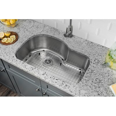 18 Gauge Stainless Steel 31.5 x 21.13 Undermount Kitchen Sink with Gooseneck Faucet Faucet Finish: Stainless Steel