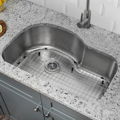 18 Gauge Stainless Steel 31.5 x 21.13 Undermount Kitchen Sink with Gooseneck Faucet