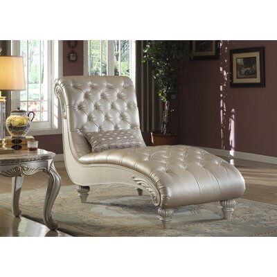 Beazleys Leather Chaise Lounge