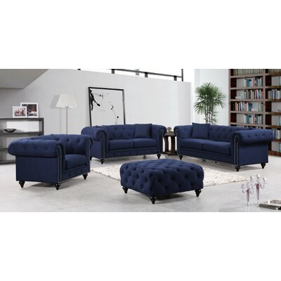 Meridian Furniture USA 662 Chesterfield Living Room Collection