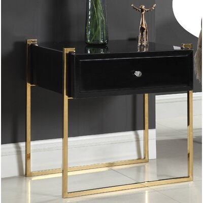 Shi Side Table Color (Base/Top): Gold/Black