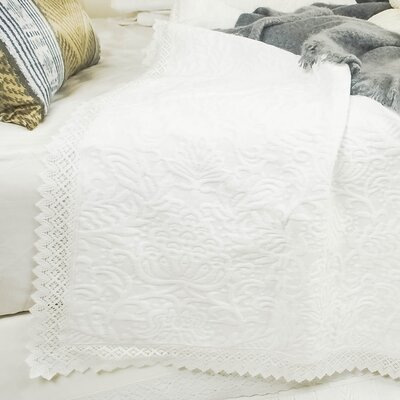 Coastal Crochet Bedspread Size: King/California King