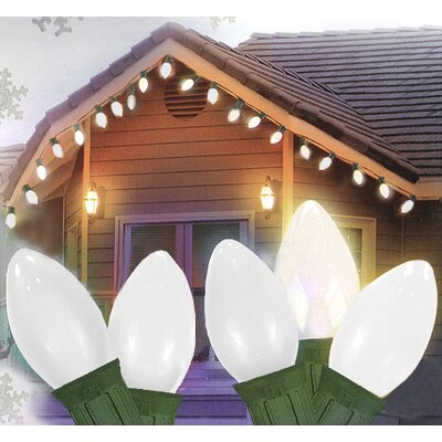 25 Light Opaque C9 Christmas Light Color: White/Green