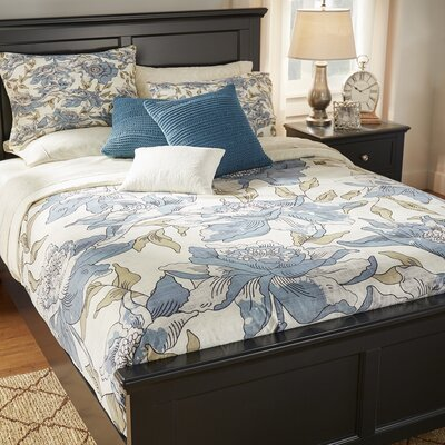 Breese Duvet Cover Size: King