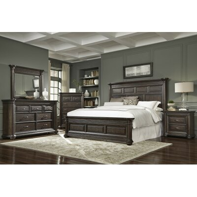 Landsdale Panel Customizable Bedroom Set