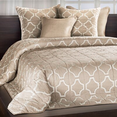 Cheswick Silk Applique Quilt Size: King, Color: Sand