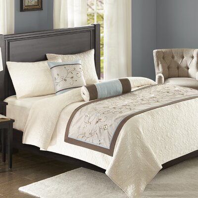 Brierwood Bedscarf and Pillow Set Color: Blue