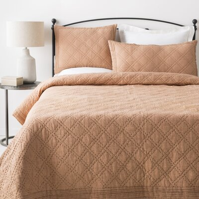 Portrush Quilt Color: Cream/Charcoal, Size: Twin