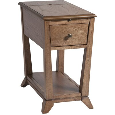 Amboyer Chairside Table in Light Brown