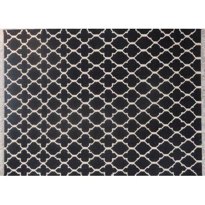 Mackinaw Hand-Woven Black/Beige Area Rug Rug Size: 83 x 116
