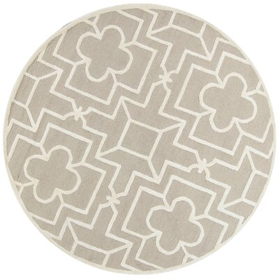 Che Hand-Tufted Beige/Gray Area Rug Rug Size: Round 56