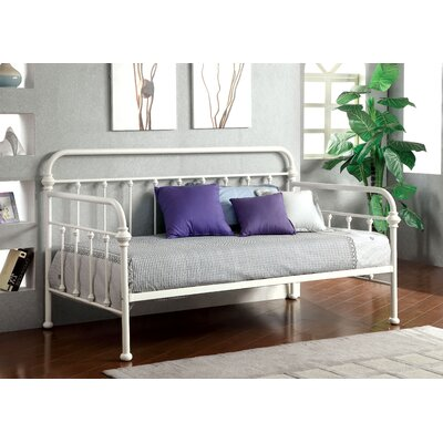 Bentonville Daybed Color: Vintage White