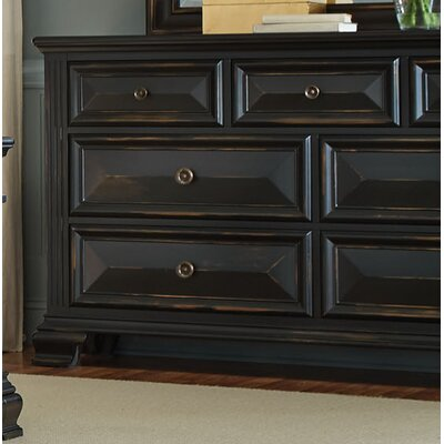 Petronella 7 Drawer Dresser