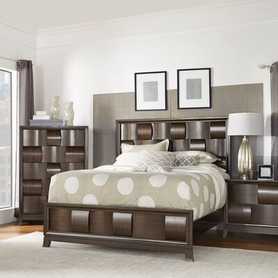Dartmouth Panel Bed Size: King