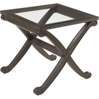 Baronne II End Table
