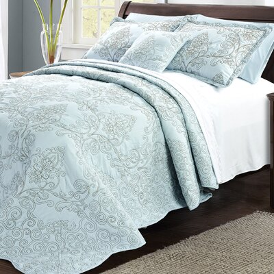 Lucinda Embroidered 4 Piece Quilt Set Size: King, Color: Blue