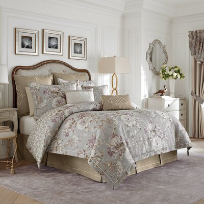 Autumn 4 Piece Reversible Comforter Set Size: Queen