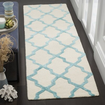 Parker Lane Hand-Tufted Ivory/Turquoise Area Rug Rug Size: Rectangle 4 x 6