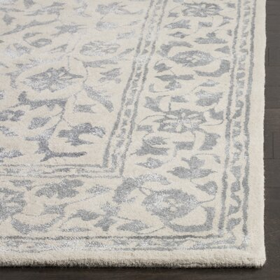 Daphne Hand-Tufted Gray/Beige Area Rug Rug Size: Rectangle 5 x 8
