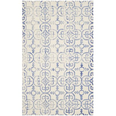 Carter Hand-Tufted Ivory/Blue Area Rug Rug Size: 5 x 8