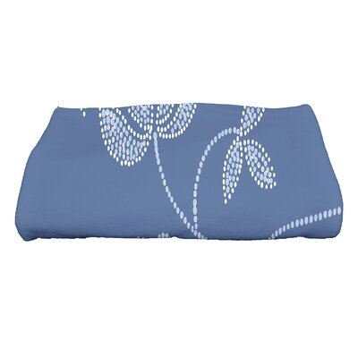 Maniteau Traditional Flower Bath Towel Color: Navy Blue
