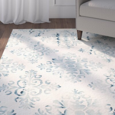 Carter Hand-Tufted Ivory/Light Blue Area Rug Rug Size: Round 7