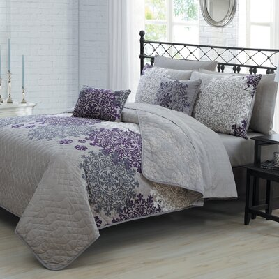 Richmondville 9 Piece Quilt Set Color: Plum, Size: Queen