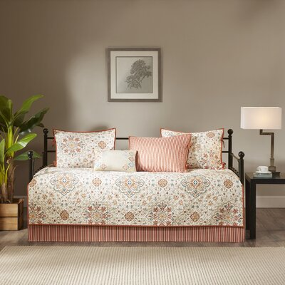 Lavallie 6 Piece Daybed Set Color: Red