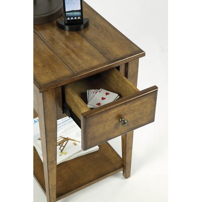 Vandalia Chairside Table
