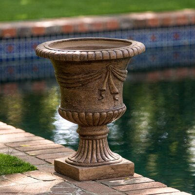 Beton Stone Urn Planter
