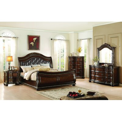 Waynesburg Sleigh Customizable Bedroom Set
