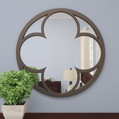Clover in Circle Mirror
