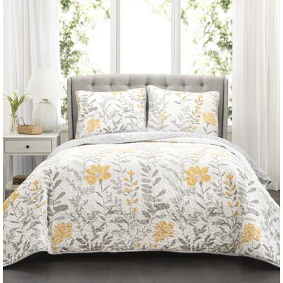 Hilliard 3 Piece Reversible Quilt Set Size: King
