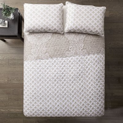 Alyn Reversible Quilt Set Size: Twin
